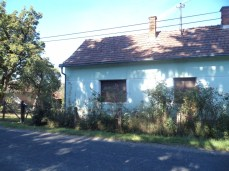 Ez a ház eladó 1,5 MFt körül, de utána kell járni, táblát nem láttunk!