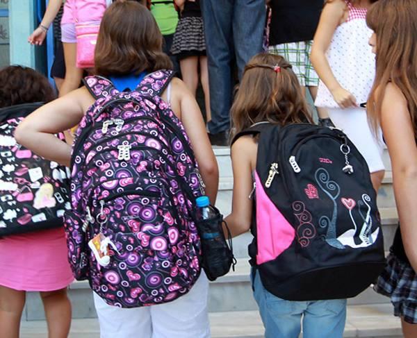 Τα δρομολόγια του ΚΤΕΛ δενεξυπηρετούν τους μαθητές από Πολυθέα και Αετό
