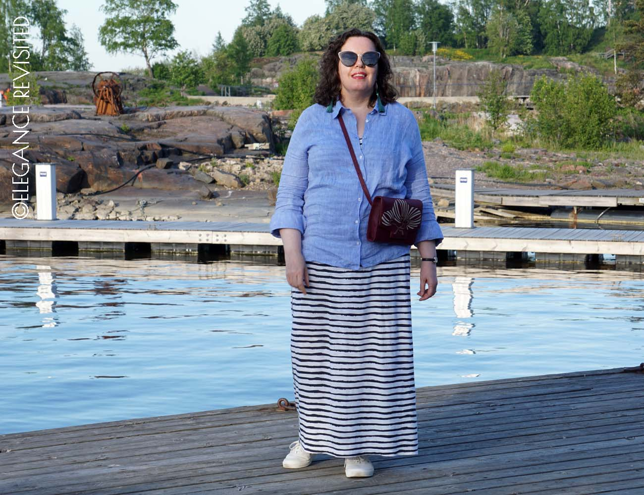 how to wear a maxi dress over 50