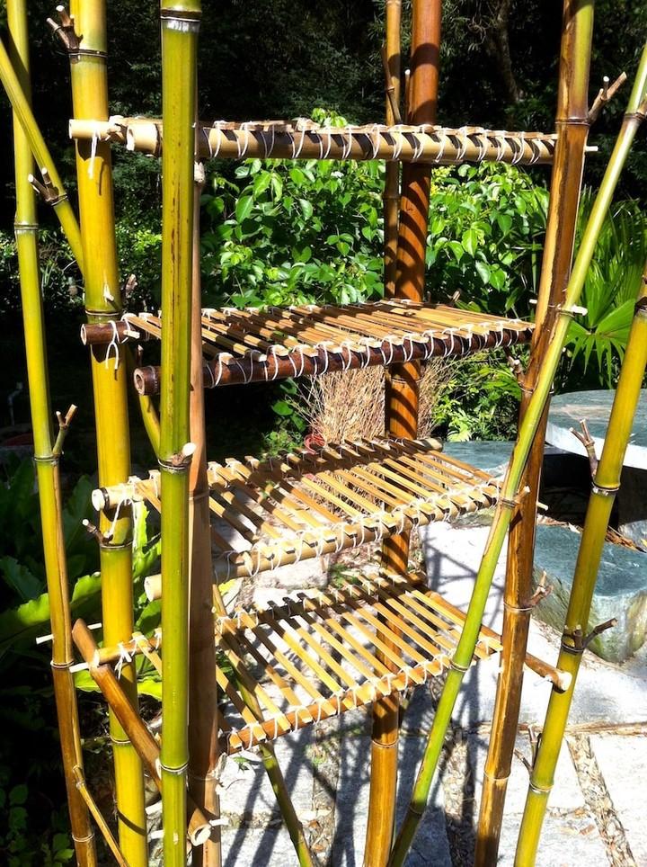 en bambou avec des outils simples