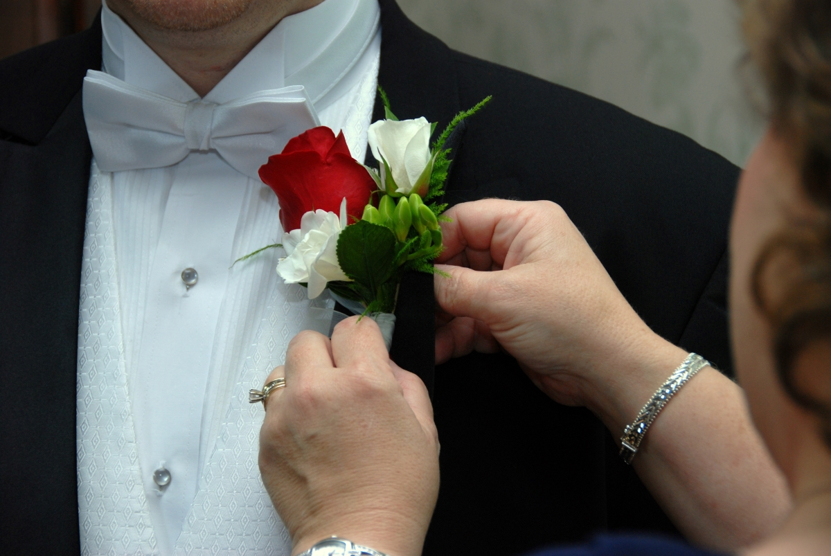 Elegant Touch Photos - Boutonniere