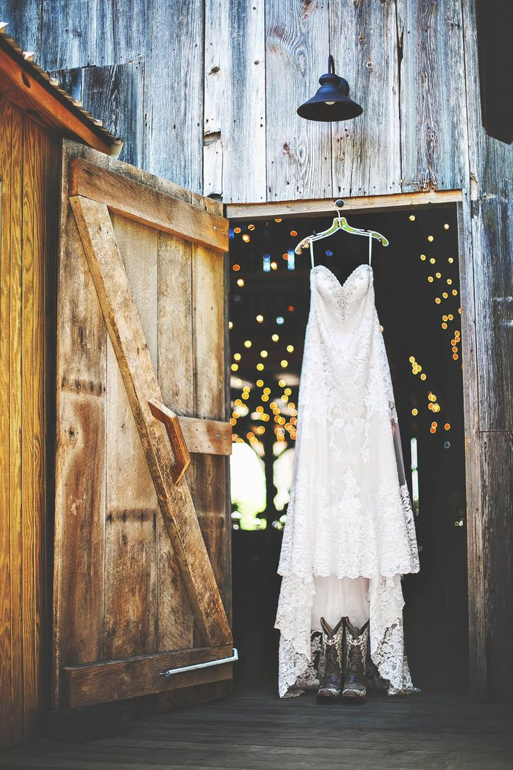 25 sweet and romantic rustic barn