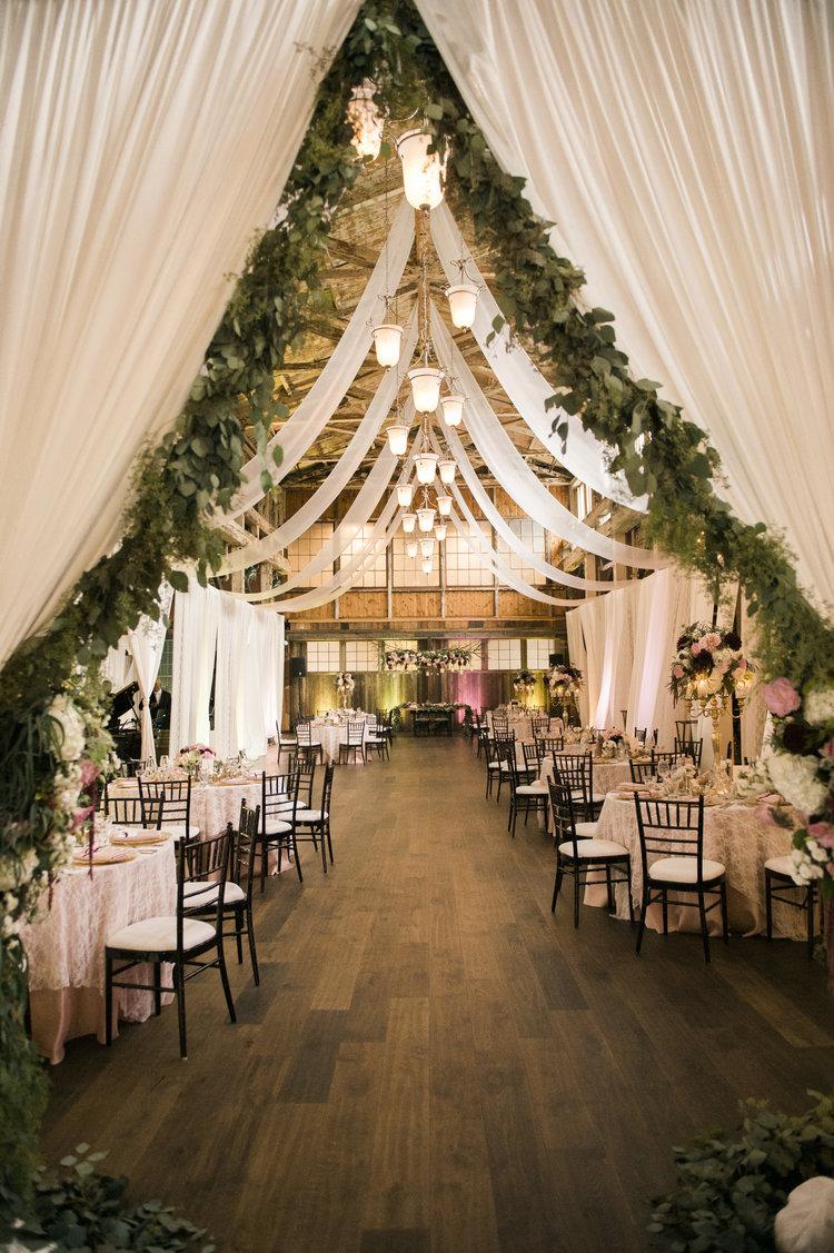 25 Sweet and Romantic Rustic Barn Wedding Decoration Ideas  Elegantweddinginvitescom Blog