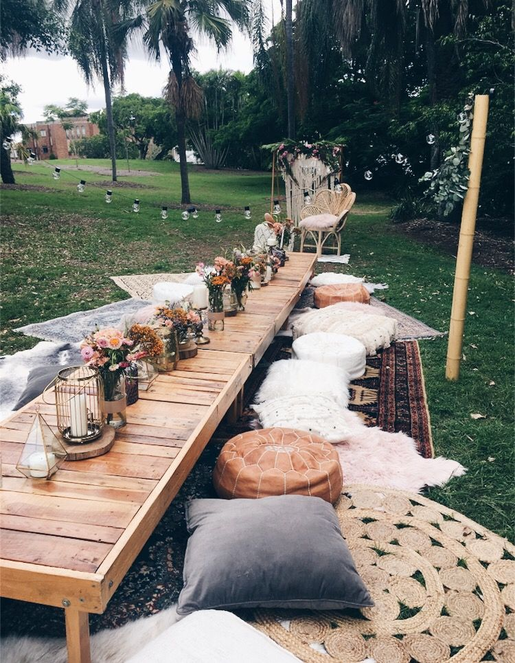 Coupled with your carefully planned decorations, the magnificence and charm of nature can complement the selected wedding themes. 30 Ingenious Ideas for a Small Intimate Backyard Wedding ...