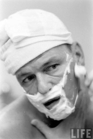 Sinatra shaves - 1965