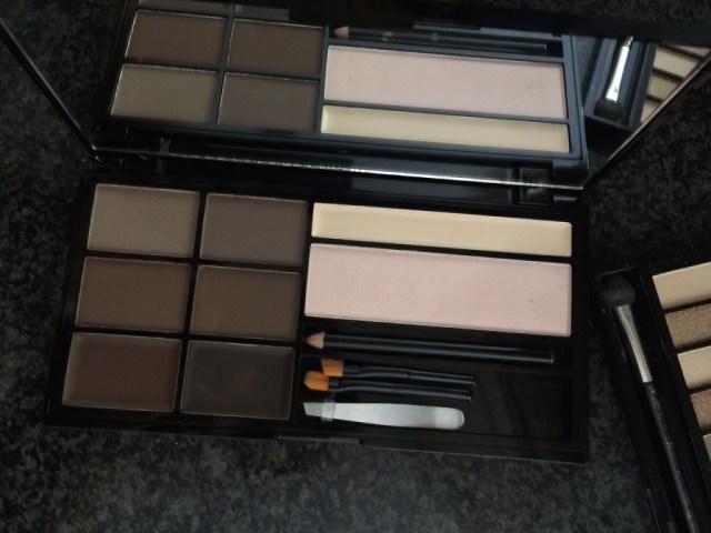 Make up revolution ultra brow palette in Medium / Dark by eleise beauty blogger