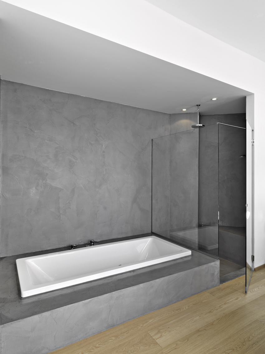 Bagno In Resina Pro E Contro