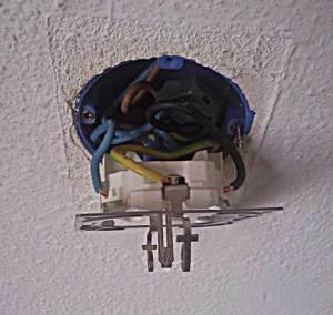 1. stopcontact draden