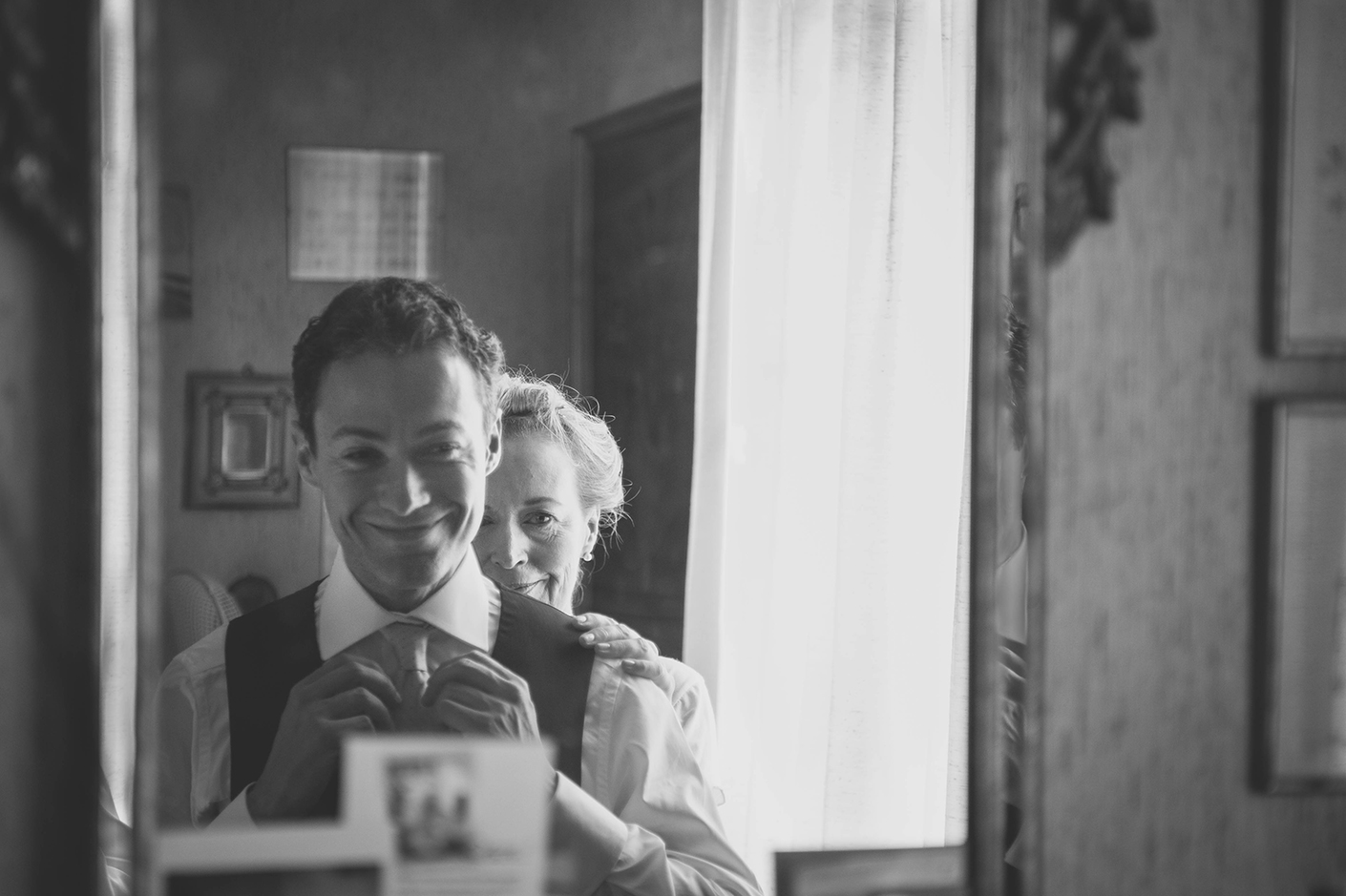 Wedding Photography - Mother and Groom, in the mirror