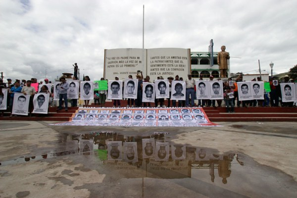 Ayotzinapa Presente. Photo by: Brenda Burgoa