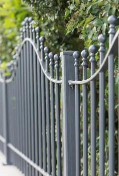 Pulverbeschichteter Gartenzaun Ancona in geschwungener Form