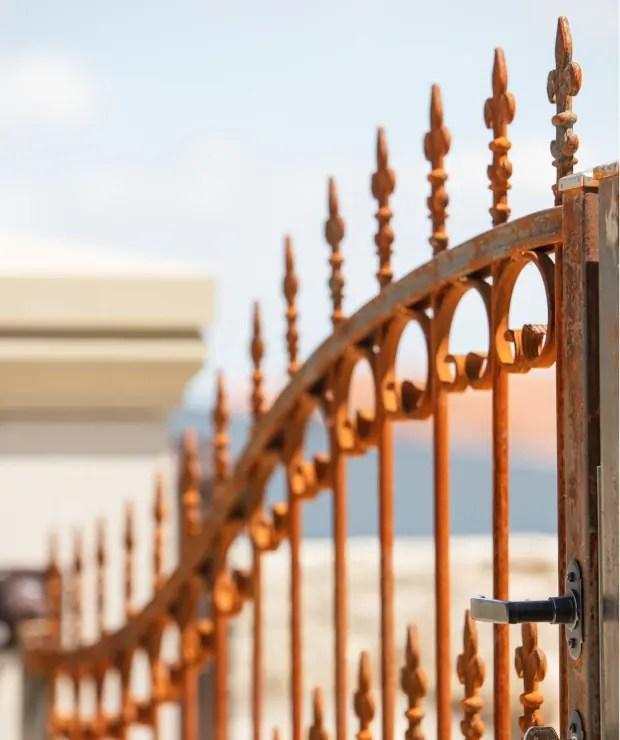Detailansicht Tor Lugano in Edelrost