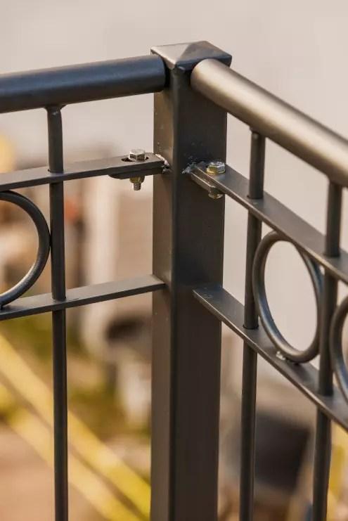 Geländer Belluno in pulverbeschichteter Ausführung zur Absturzsicherung