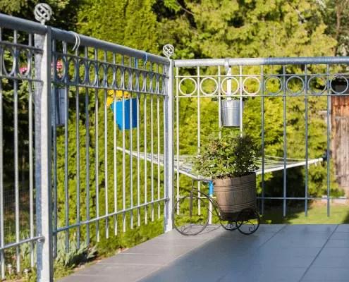 Balkonbrüstung Belluno in feuerverzinkter Ausführung