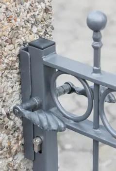 Gartentor Belluno in pulverbeschichteter Ausführung mit Spitze Kugelstab