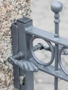 Detailaufnahme Drückergarnitur Gartentür Belluno