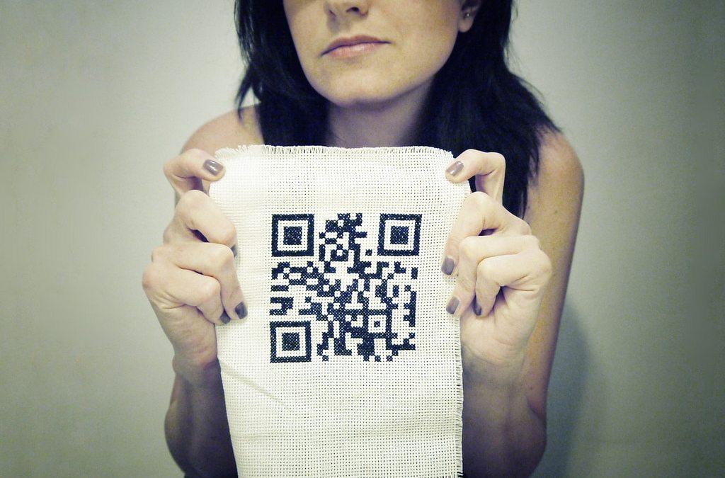 QRross Stitch (ovvero: i QR code a Punto Croce)