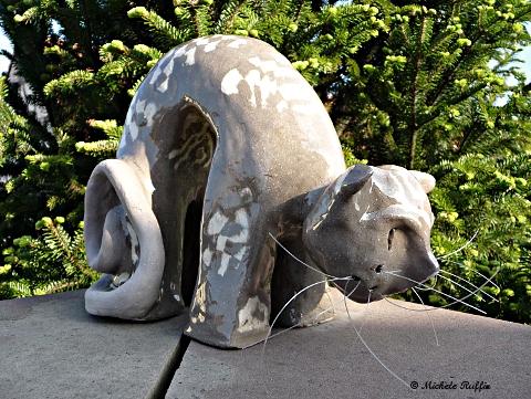 """""""Igloo"""" Sculpture chat céramique © Michèle Ruffin"""