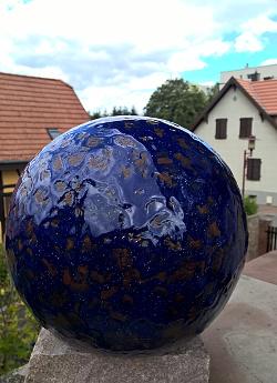 petite boule bleue