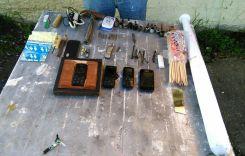 Requisa en cárcel de Azogues deja decomiso de varios objetos prohibidos