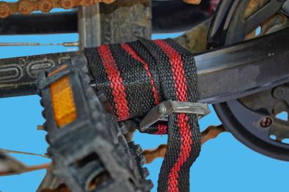 Come smontare i pedali ossidati bloccare con cinghia