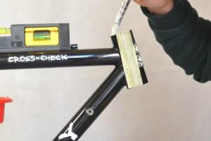 5507 Montiamo la bici serie sterzo trittico leve Surly Cross Check 46