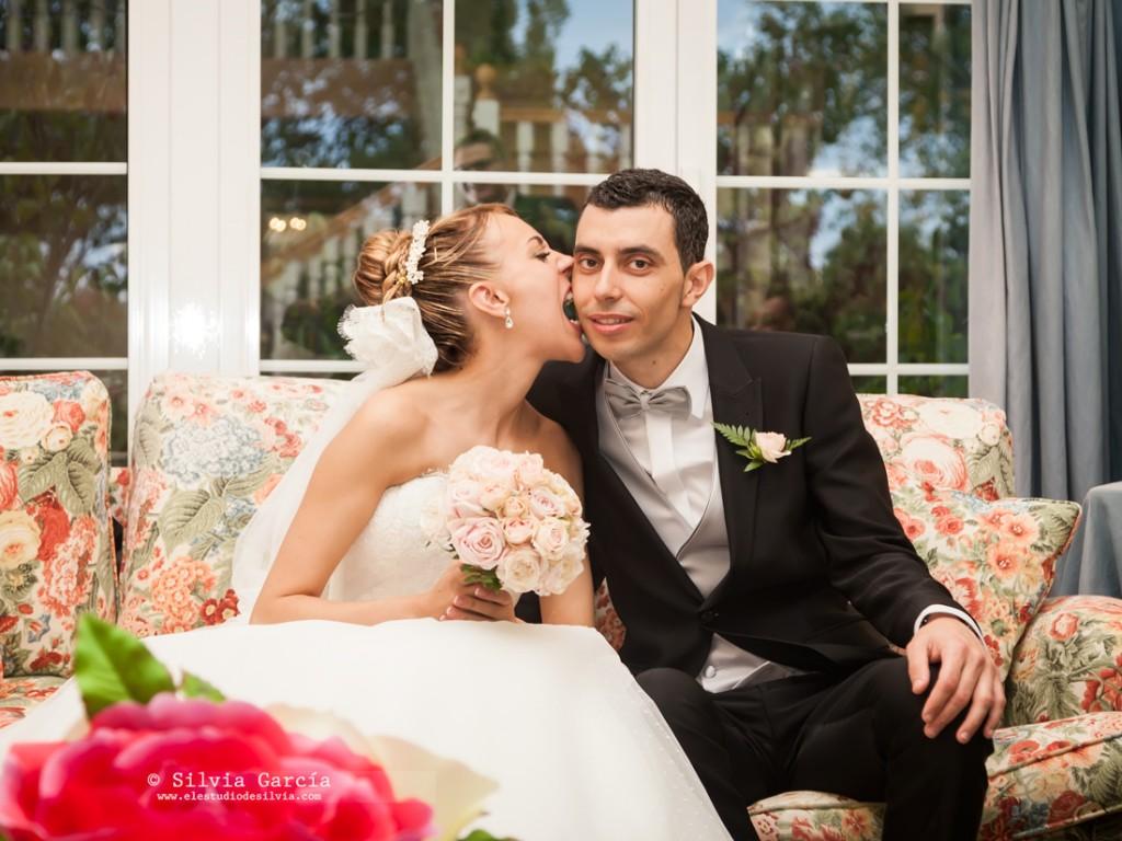 Boda de Isa y Felipe, fotos de boda divertidas, fotografía de bodas Moralzarzal, fotografo de bodas Moralzarzal, fotos de pareja, Finca Cañada Real, bodas El Escorial