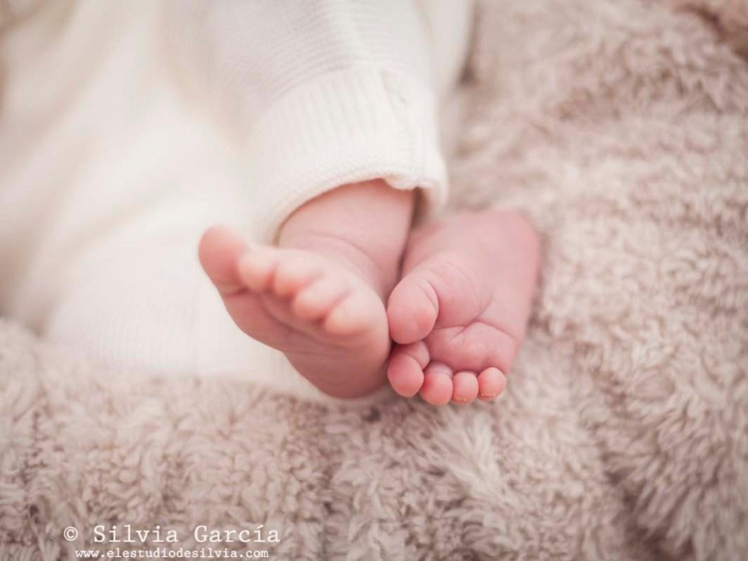 fotos de recién nacido, fotografía de recién nacido, fotografo recien nacidos, fotografía infantil, fotos de bebes, newborn photography Madrid, fotos de familia naturales, fotografía familiar Madrid