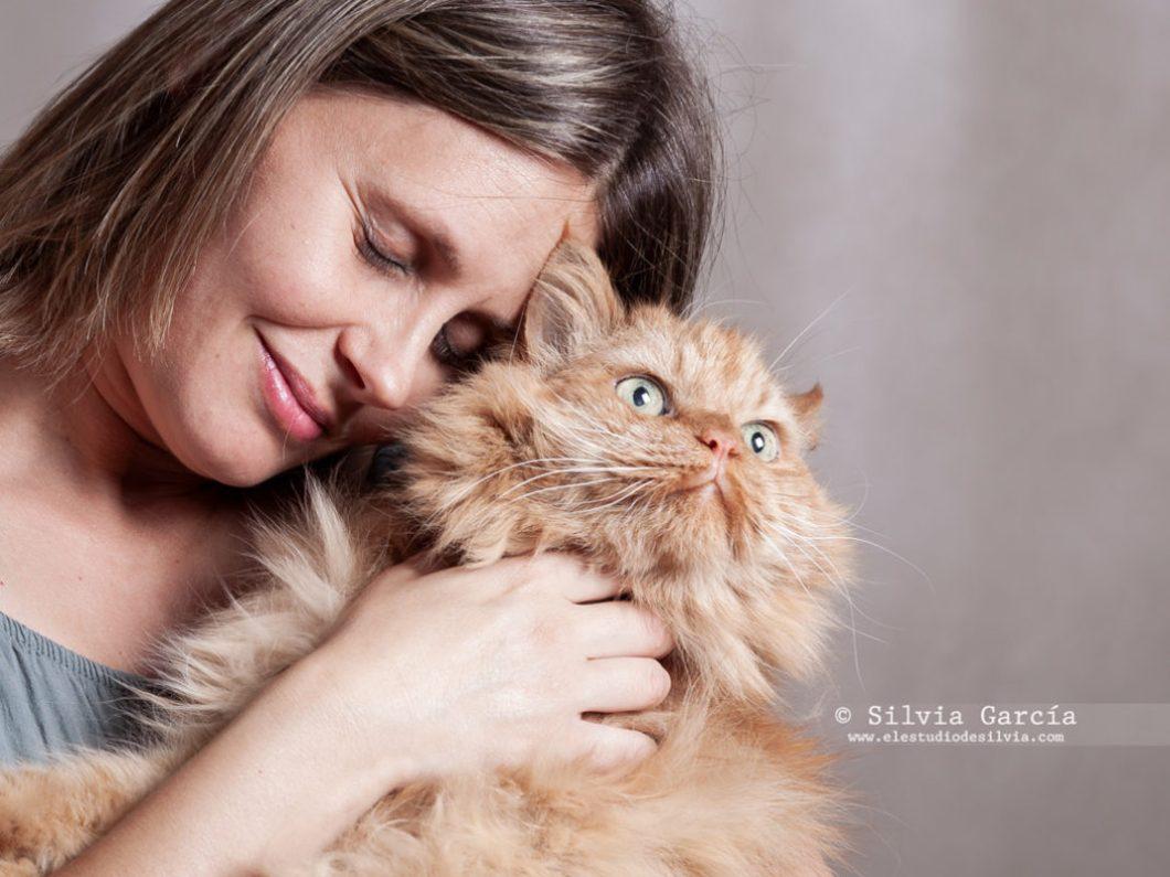 sesion de fotos con mascotas, fotos con gato, recuerdos con mascota, fotografía de mascotas, fotografía de gatos, retrato con gato