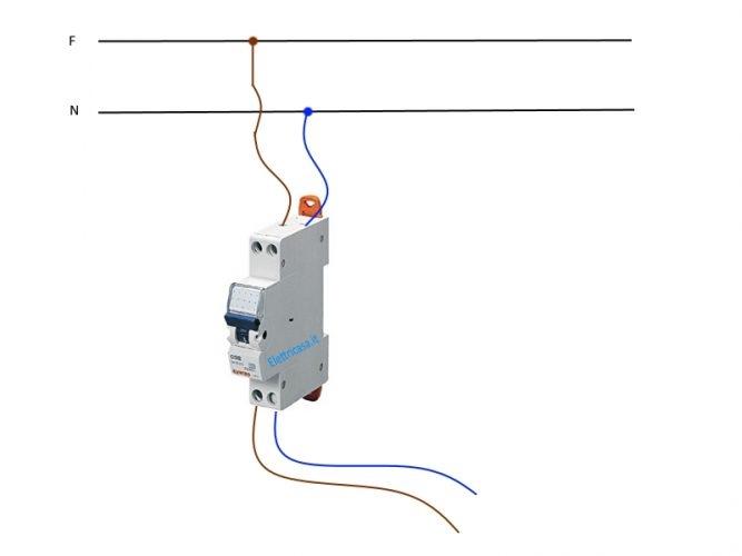 Schema Collegamento Interruttore Luminoso : Interruttore magnetotermico per proteggere l impianto