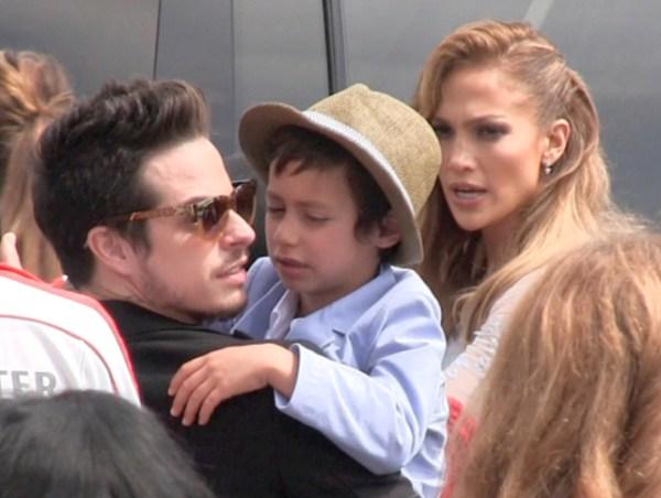 Jennifer Lopez And Casper Smart Have Seemed To Come Back Together