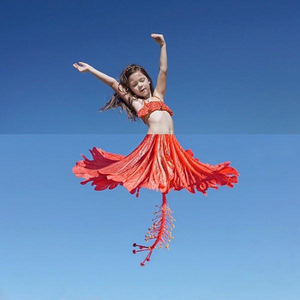 17. Mi hija bailando + Flor de hibisco