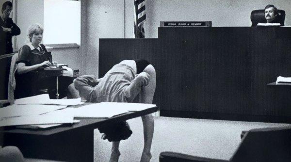 14. Una bailarina exótica demuestra que su ropa interior era demasiado grande para enseñar nada, tras ser arrestada por policías de incógnito en Florida