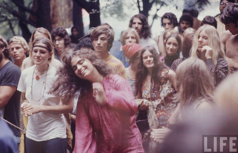 1969-woodstock-music-festival-hippies-bill-eppridge-john-dominis-22-57bc2fc08d174__880
