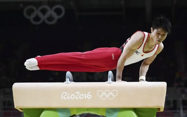 2016 Rio Olympics - Artistic Gymnastics - Preliminary - Men's Qualification - Subdivisions - Rio Olympic Arena - Rio de Janeiro, Brazil - 06/08/2016. Kohei Uchimura (JPN) of Japan competes on the pommel horse. REUTERS/Dylan Martinez FOR EDITORIAL USE ONLY. NOT FOR SALE FOR MARKETING OR ADVERTISING CAMPAIGNS.