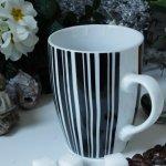 Henkelbecher Kaffeetasse Weiss Schwarz Gestreift Von Wurm Elfengarten Shop