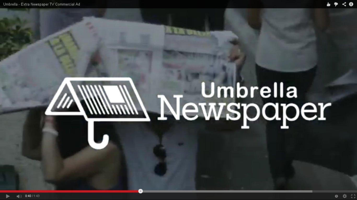 El diario ecuatoriano 'El Extra' promociona su periódico/paraguas.