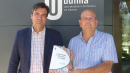 Los coordinadores del libro Fernando Martínez Vallvey y Víctor Núñez Fernández