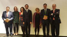 En la entrega de reconocimientos en la gala de Navidad de grupo CEF/UDIMA 2016