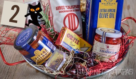 Day 2 of #Advent…celebrating #paella! Our perfect gift for all fans of the iconic rice dish… http://ow.ly/rleGW