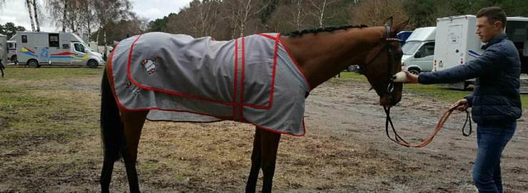 couverture cheval galop