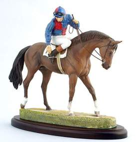 Figurine en céramique de cheval de course