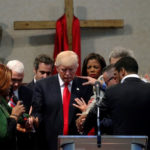 """Día Especial de Oración"" por el presidente Trump (+video)"