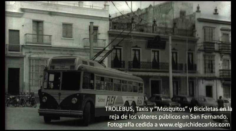 Trolebus en plaza de la Iglesia