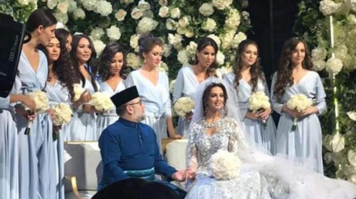 Los medios rusos publicaron imágenes de la boda del rey de Malasia, sultán Mohamed V de Kelantan y la reina de ese país Oksana Voevodina.