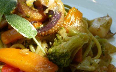 Espaguetis de mar y de campo ( con Chocos y verduritas salteadas)