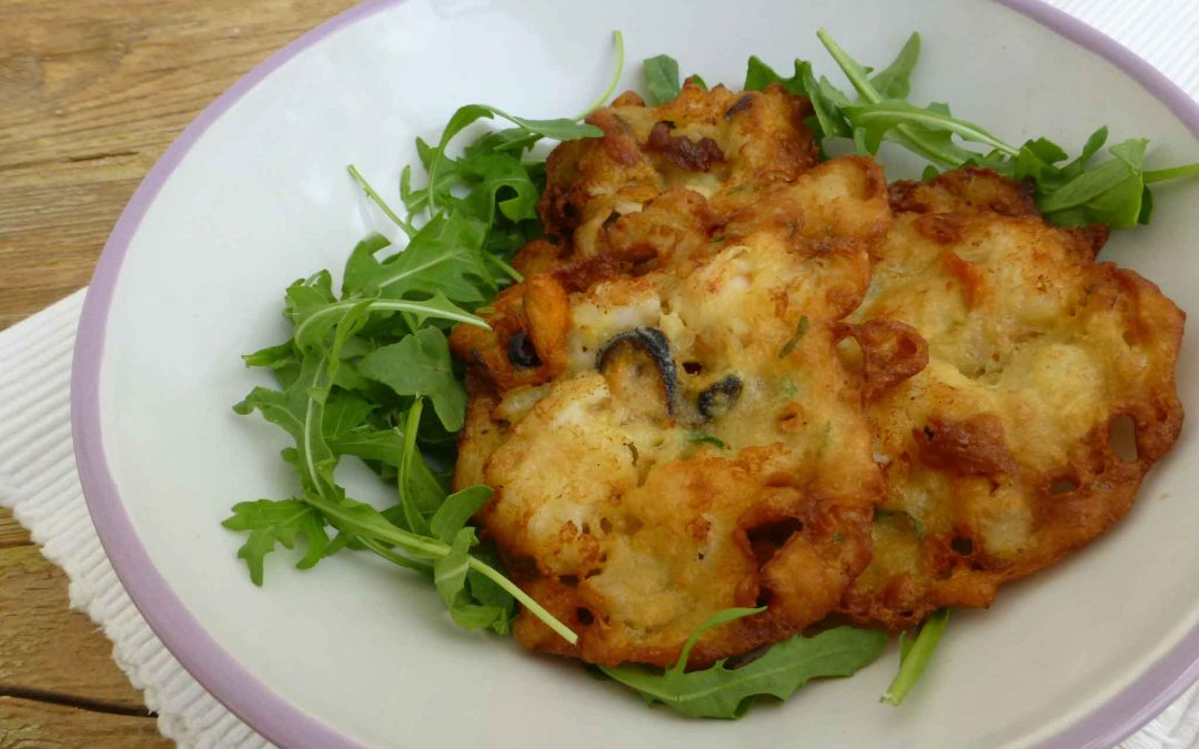 Tortillitas de gambones, mejillones y rúcula ( variación de la tortillita de camarones)