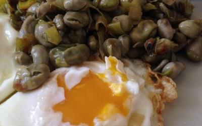 Habitas tiernas y huevos de campo. ¿Quien se resiste?