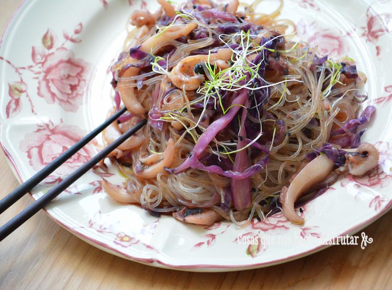 Fideos de arroz con chocos y lombarda by TiaLoU (3)