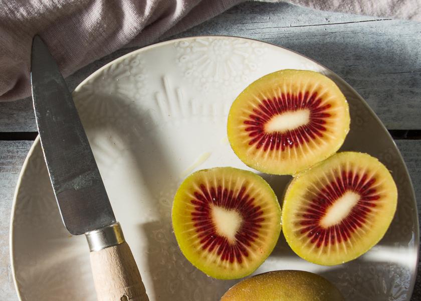 Kiwi rojo, delicioso